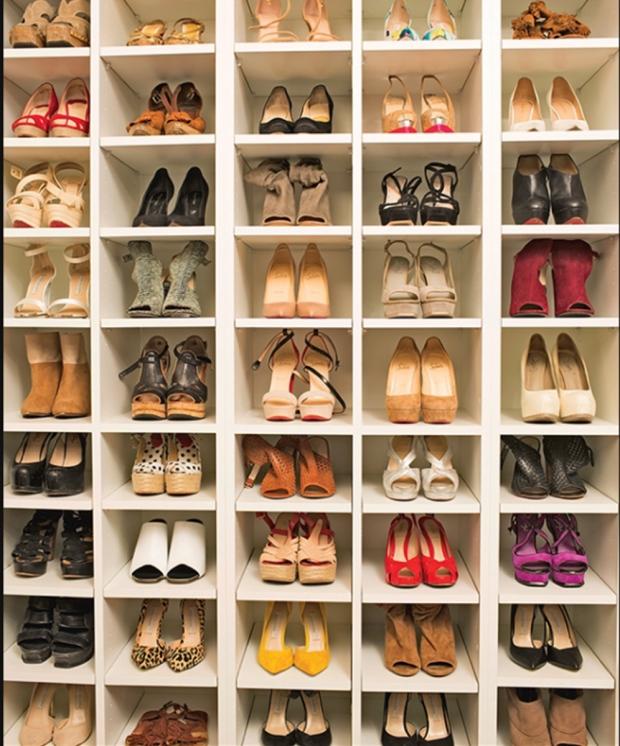 k cav closet shoes